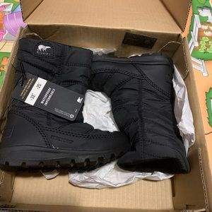 Baby girl winter boots fits 2-3 years old